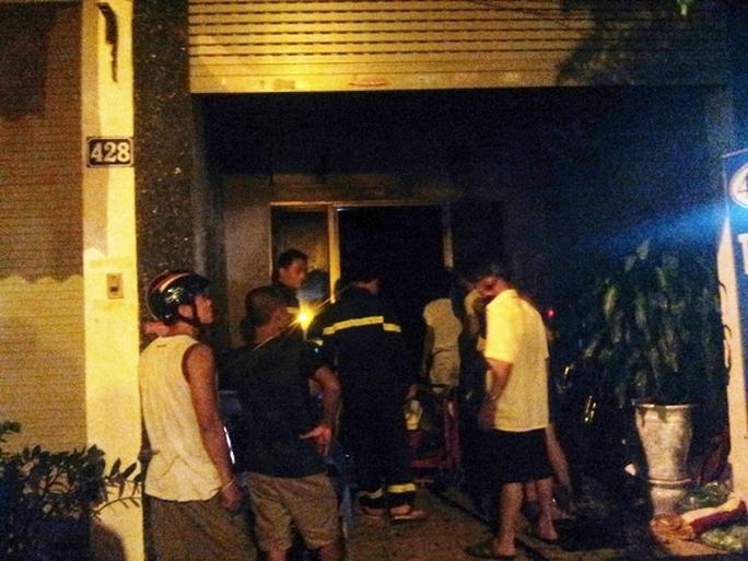 Vụ cháy cửa hàng thuốc đông y khiến người dân khu vực nháo nhác