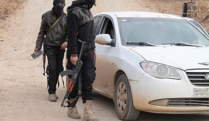 Trang tin Al-Alam cho biết 2 thủ lĩnh cấp cao IS bỏ trốn sang Thổ Nhĩ Kỳ với số tiền lớn đánh cắp từ kho bạc của nhóm. Ảnh: Al-Alam