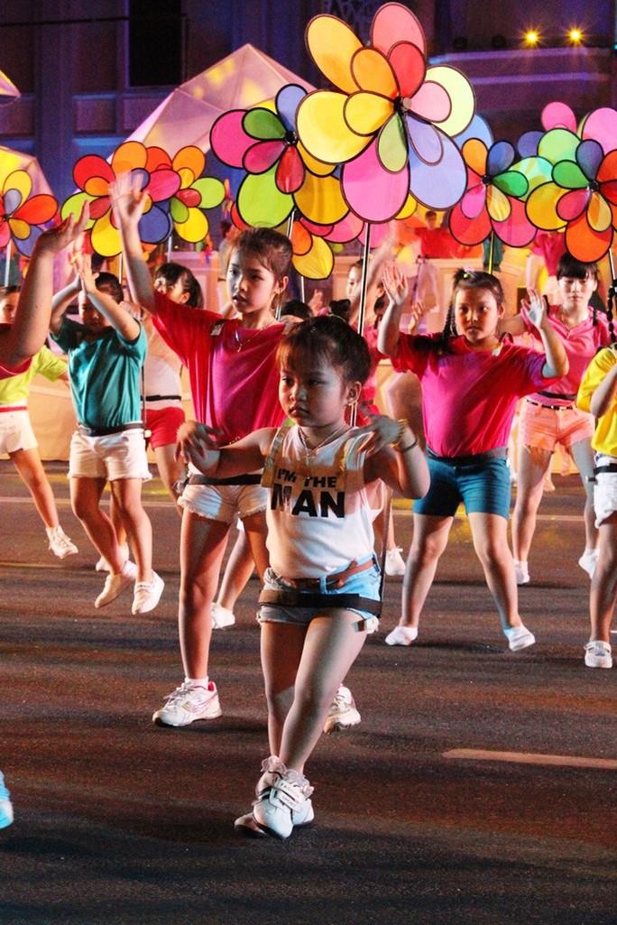 """Sôi động Lễ hội đường phố """"Nha Trang- Biển gọi"""""""