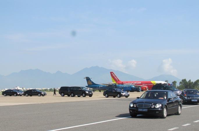 Đoàn lãnh đạo cấp cao của Lào rời sân bay Đà Nẵng đi khu du lịch Bà Nà Hiils