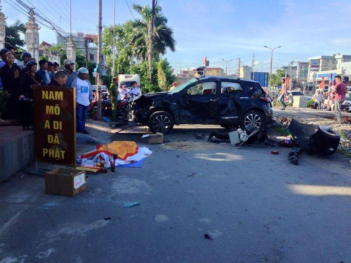 Hiện trường vụ tai nạn khiến 1 người chết, 5 người khác bị thương