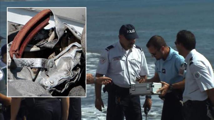 Mảnh kim loại được phát hiện hôm 2-8 cũng trên đảo Reunion. Ảnh: Sky News