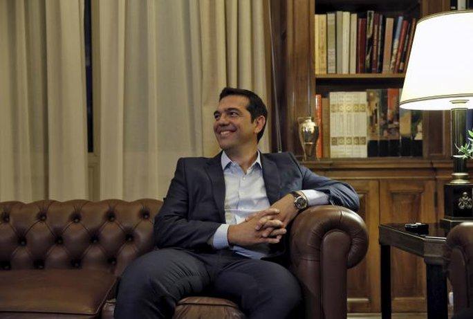 Thủ tướng Hy Lạp bất ngờ đệ đơn từ chức hôm 20-8. Ảnh: Reuters