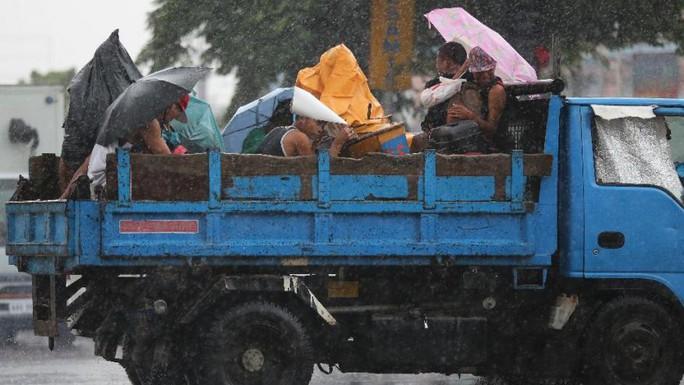 Bão Goni giết chết 26 người ở Philippines. Ảnh: AP
