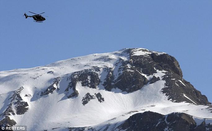 Lubitz rất mê núi Alps và thậm chí còn bị ám ánh vì dãy núi này. Ảnh: Reuters