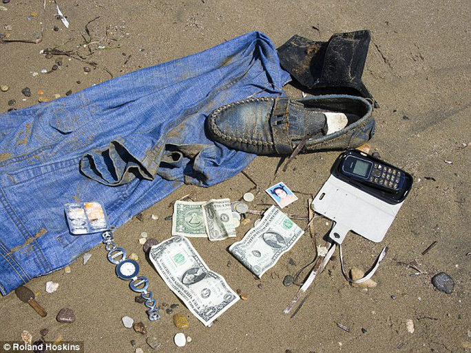 Tourists were fishing items out of the water including three pairs of jeans, a mobile phone, and a watch