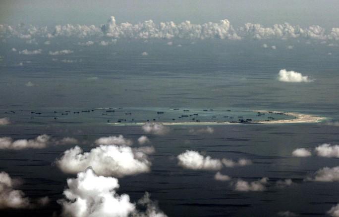 Trung Quốc cải tạo phi pháp trên đá Vành Khăn thuộc quần đảo Trường Sa của Việt Nam. Ảnh: AP