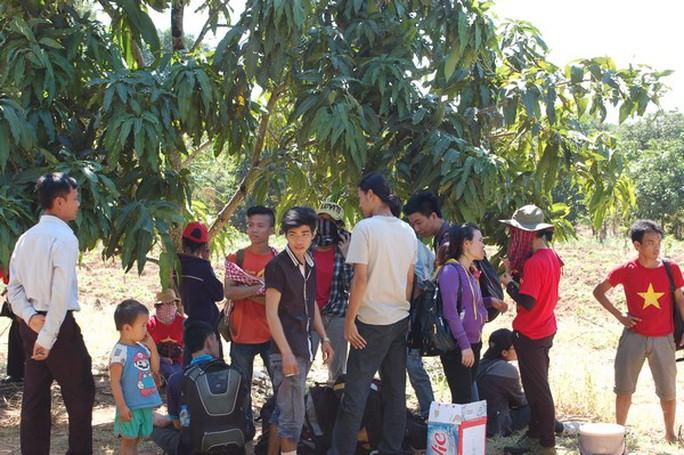 Giải cứu nhóm du khách đi lạc trên đỉnh núi Bà Đen