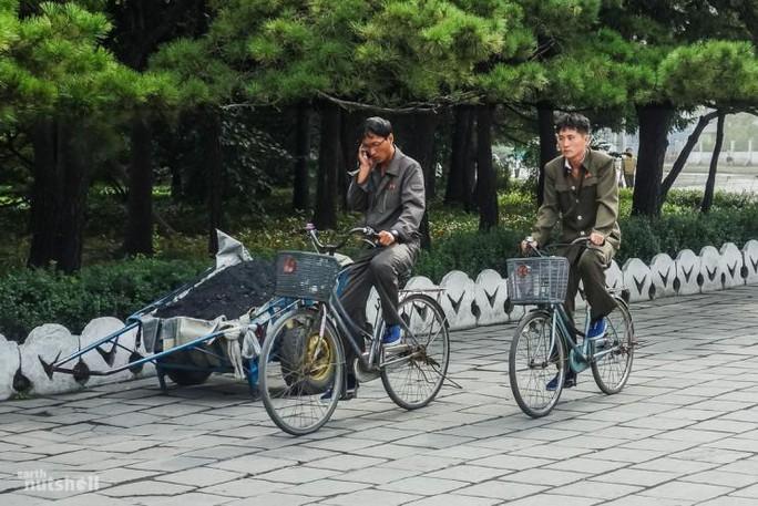 North Korea Cellphone