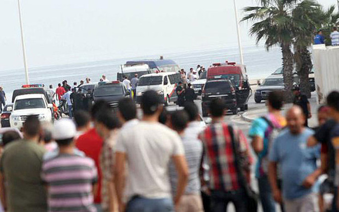 Vụ khủng bố ở bãi biển tại thị trấn Sousse khiến Tunisia rúng động. Ảnh: Twitter