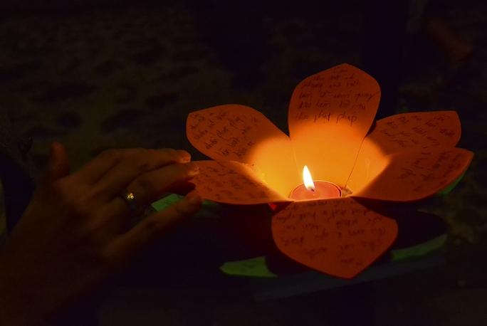 Những điều ước cầu mong gia đình và người thân luôn may mắn bình an. Ảnh: Thăng Bình.