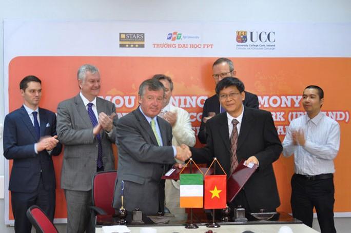 Hai trường ĐH Cork và ĐH FPT  chính thức ký kết hợp tác