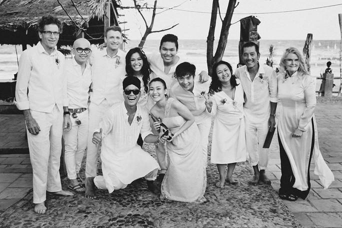 Đám cưới riêng tư với hai họ và những người bạn thân