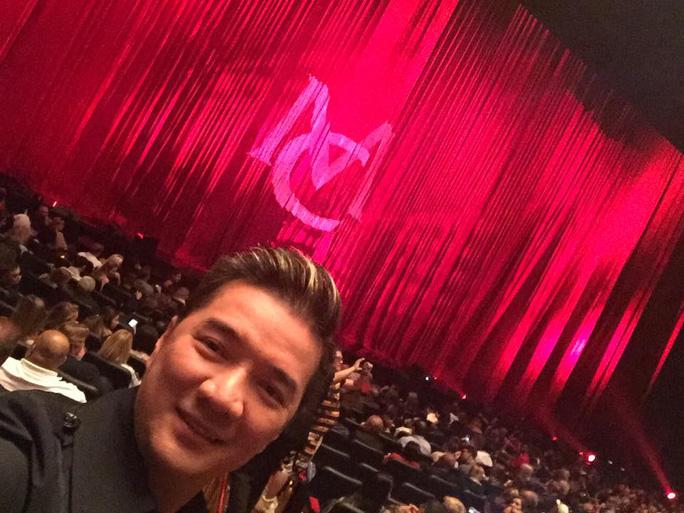 Đàm Vĩnh Hưng xem buổi diễn của Mariah Carey