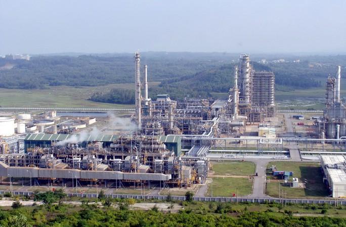Bên trong khu vực Nhà máy Lọc dầu Dung Quất Ảnh: TỬ TRỰC