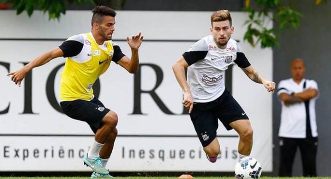 Lucas Lima (phải) lần đầu lên tuyển