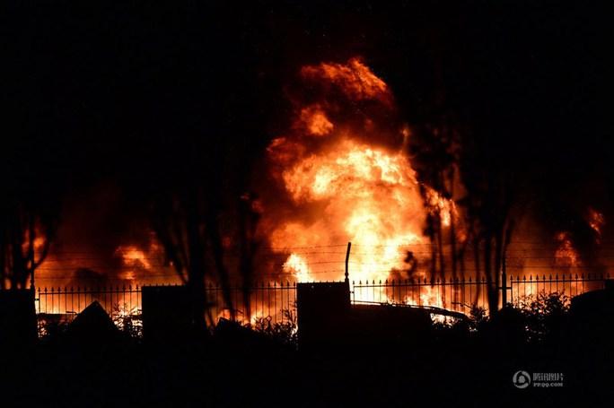Đã có ít nhất 17 người chết và hơn 400 người bị thương. Ảnh: QQ