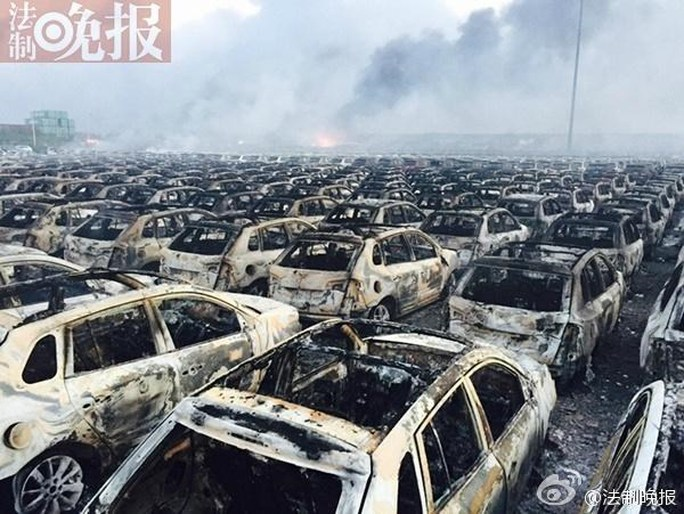 Hàng ngàn chiếc xe bị thiêu rụi
