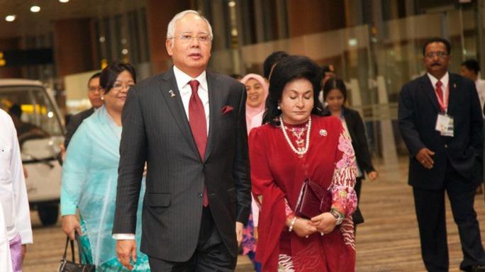Thủ tướng Malaysia Najib Razak và vợ. Ảnh: AP