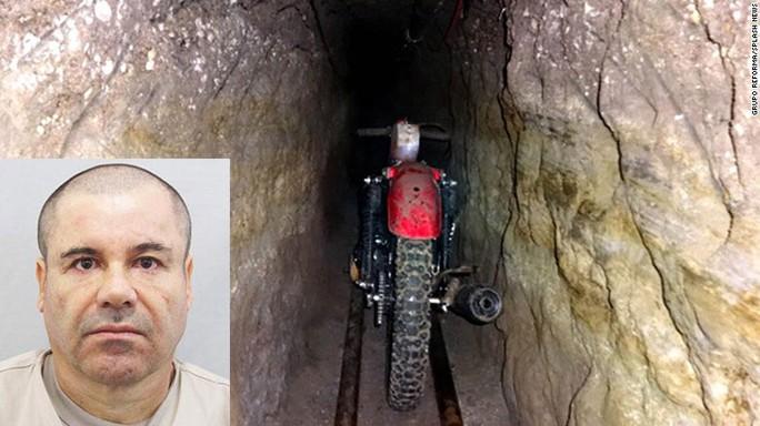 Chiếc xe máy mà trùm ma túy Guzman (ảnh nhỏ) dùng trong đường hầm khi vượt ngục   Ảnh: CNN, AP