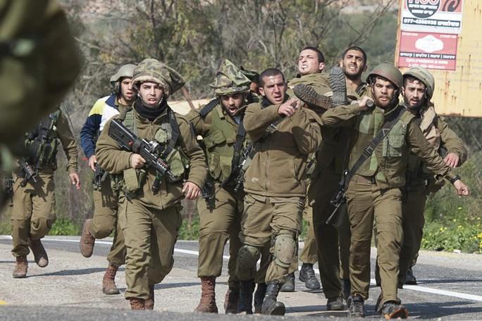 2 binh sĩ Israel thiệt mạng và 7 người bị thương. Ảnh: Reuters
