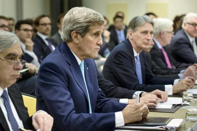 Phái đoàn Mỹ dự cuộc đàm phán hạt nhân Iran hôm 1-4. Ảnh: Reuters
