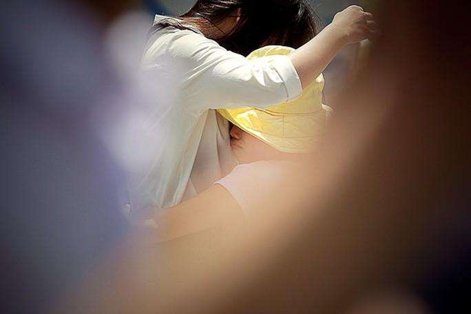 Mỹ Linh cho biết: Em rất bất ngờ khi gặp em gái và gia đình tại điểm thi.