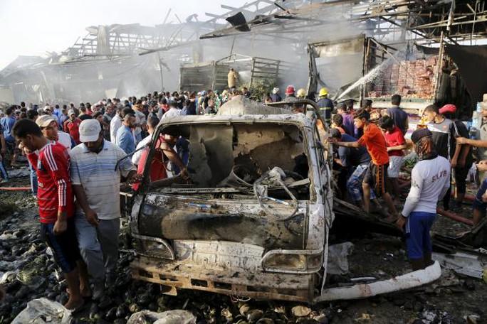 Khu chợ Jamila bị đánh bom hôm 13-8. Ảnh: Reuters