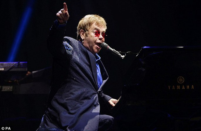 Danh ca Elton John