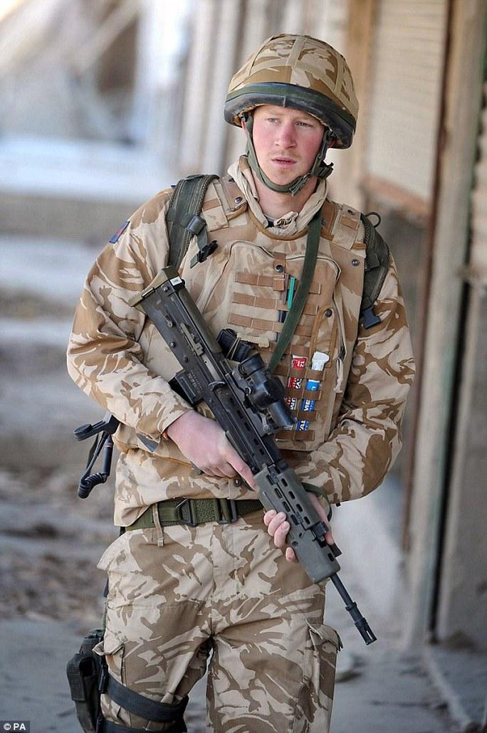 Hoàng tử Harry từng thực hiện sứ mệnh 2 lần tại Afghanistan. Ảnh:PA