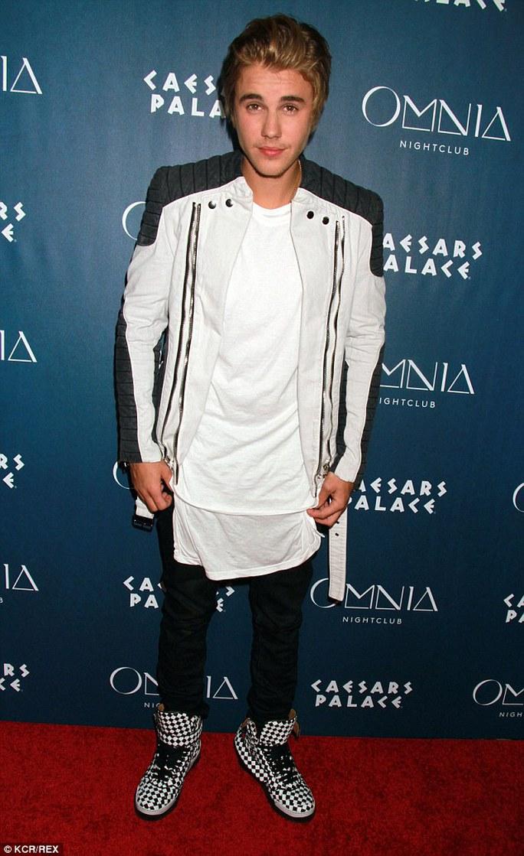 Justin Bieber chưa thoát khỏi vụ kiện với cựu hàng xóm