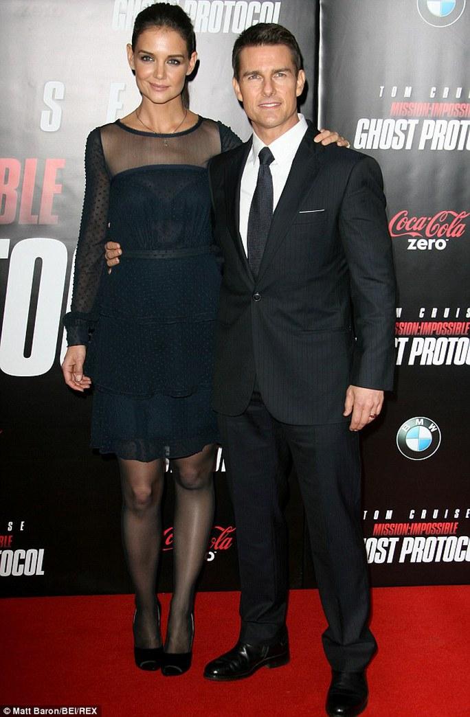 Tom Cruise và Katie Holmes quyết không nhìn mặt nhau