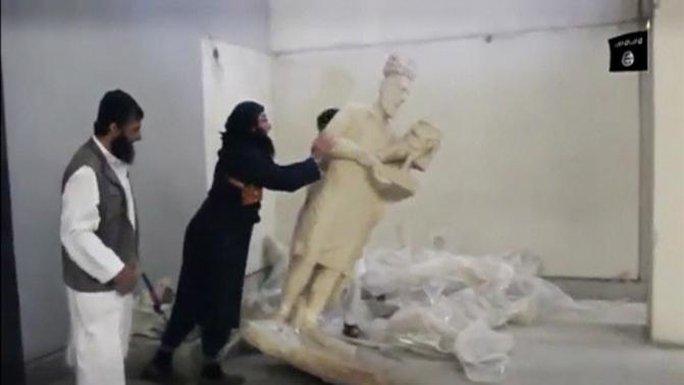 Ảnh cắt từ video. Nguồn: Reuters