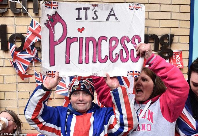 Người Anh chúc mừng công nương hạ sinh công chúa