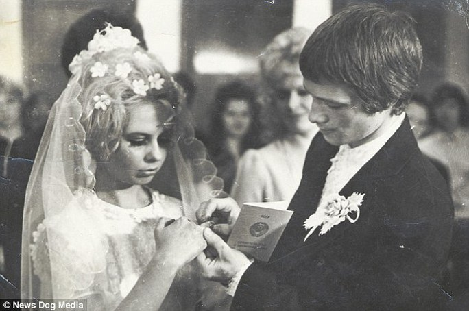 Cha mẹ của Valeria Lukyanova lúc trẻ