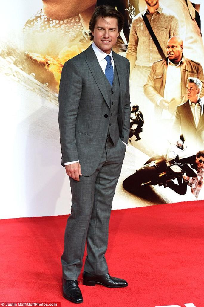 Tom Cruise lịch lãm, trẻ trung hơn tuổi