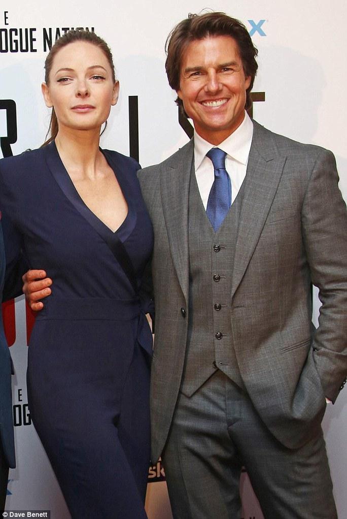 Rebecca Ferguson và Tom Cruise đẹp đôi
