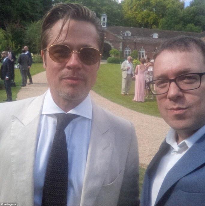 Brad Pitt tham dự đám cưới