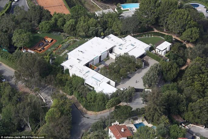 Khu vườn nhà của Jennifer và Justin