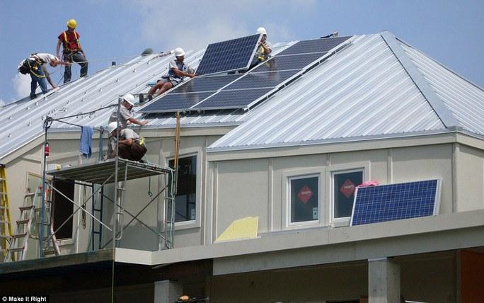 Việc xây dựng nhà giá rẻ thân thiện môi trường diễn ra trong nỗ lực của Brad Pitt