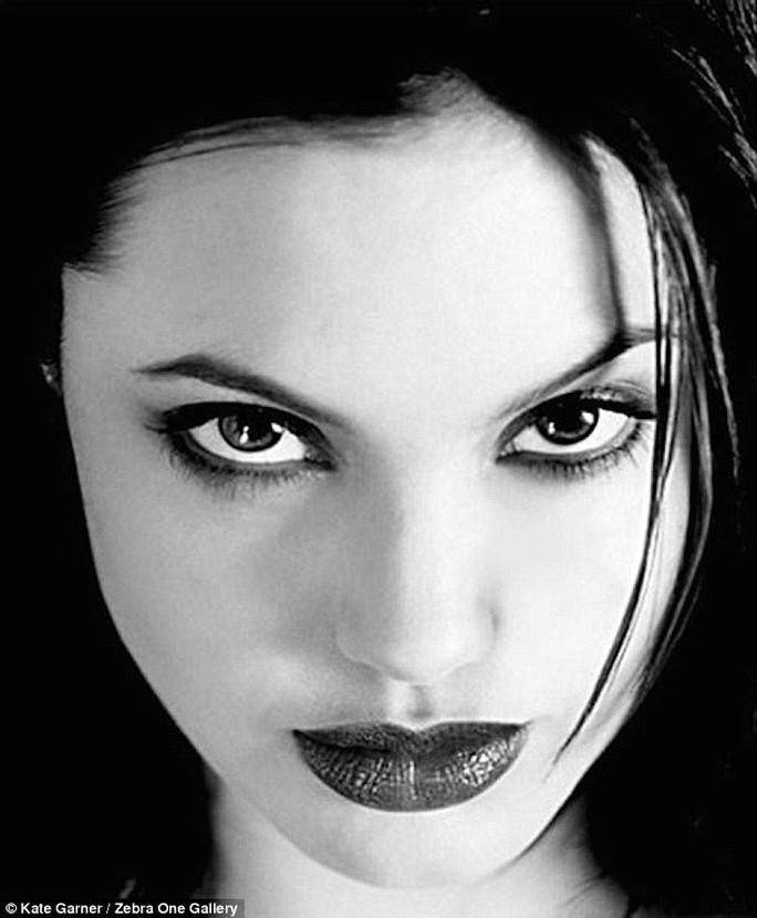 Gương mặt gợi cảm của nữ diễn viên này ở tuổi 20
