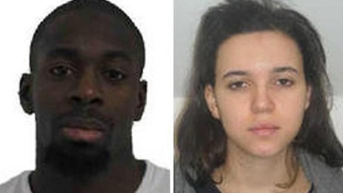 Amedy Coulibaly (trái) và bạn gái Hayat Boumeddiene. Ảnh: BBC