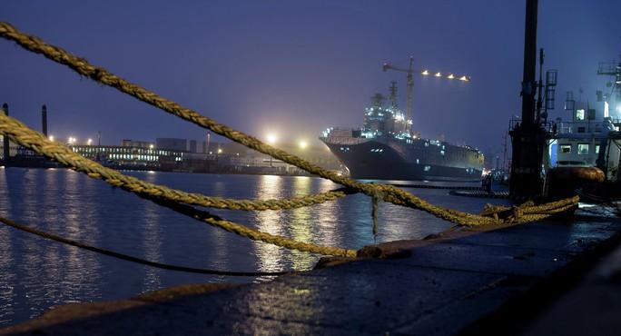 Pháp sẽ hoàn lại tiền và bồi thường cho Nga nếu 2 chiếc tàu không được bàn giao theo đúng hạn hợp đồng. Ảnh: Sputnik News