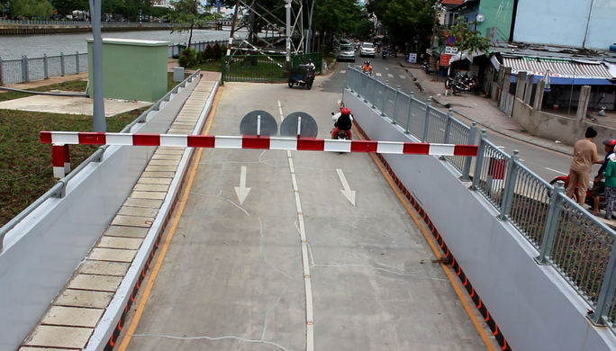 Hầm chui cầu Điện Biên Phủ  mỗi ngày có hàng trăm lượt xe lưu thông