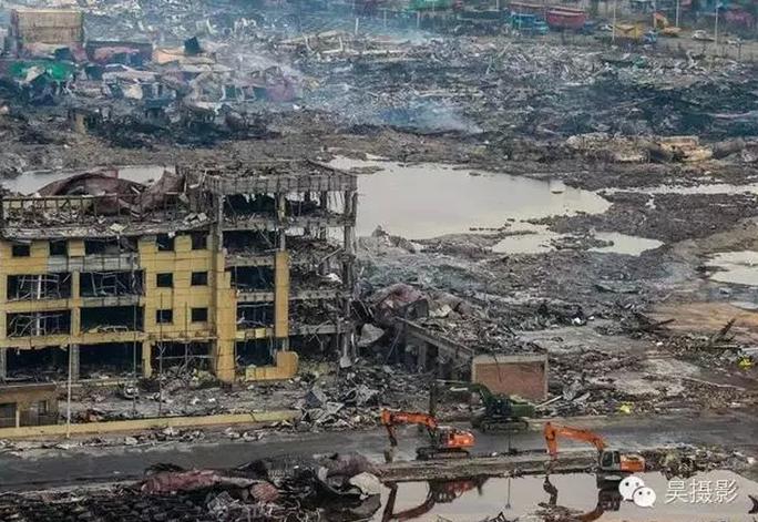 Cảnh hoang tàn ở Công ty Tiếp vận quốc tế Thụy Hải. Ảnh: Nhật báo Thiên Tân