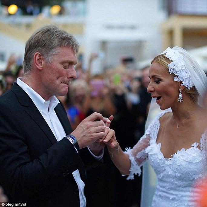 Thông tin về quan hệ giữa ông Peskov và bà Navka bắt đầu lan truyền năm 2012, khi ông ly dị người vợ thứ hai Yekaterina. Ảnh: Instagram