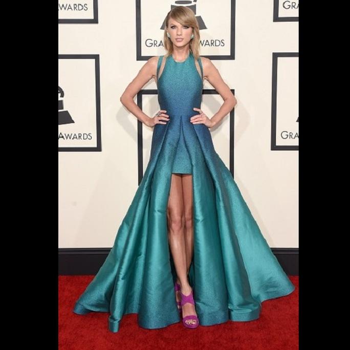 Taylor Swift thua vợ Thủ tướng Anh khoản mặc đẹp