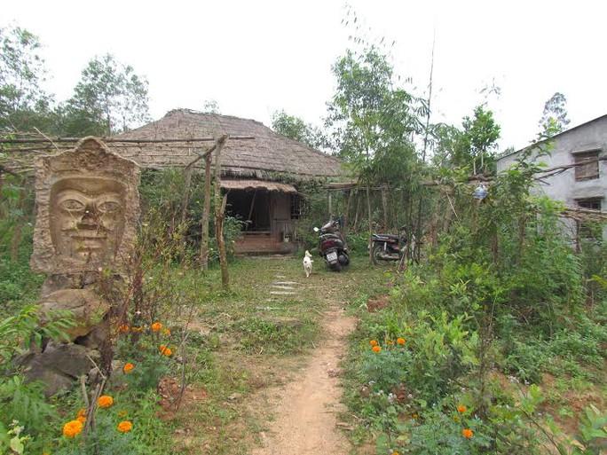 Ngôi nhà đơn sơ của họa sĩ Nguyễn Thượng Hỷ