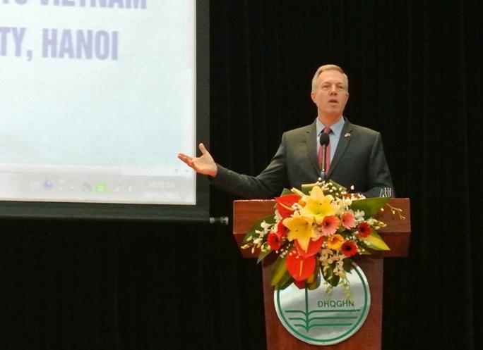 Đại sứ chia sẻ Tuy chúng ta chia sẻ một lịch sử phức tạp, tôi tin rằng chúng ta cũng chia sẻ một tương lai tươi sáng