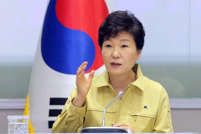 Tổng thống Hàn Quốc Park Geun-hye Quốc hoãn thăm Mỹ để giải quyết dịch MERS. Ảnh: EPA